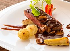 フュージョンの婚礼料理 進化系料理 ビュッフェ・コース料理