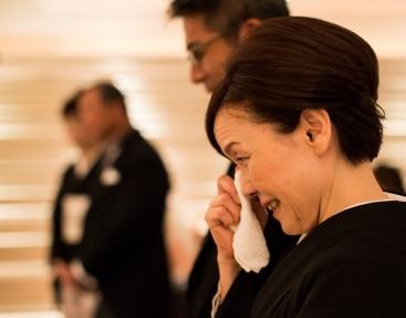 ザ マグリット | 岡山県岡山市の結婚式場・パーティーウェディング・おもてなしウェディング 列席者全員を包み込む2