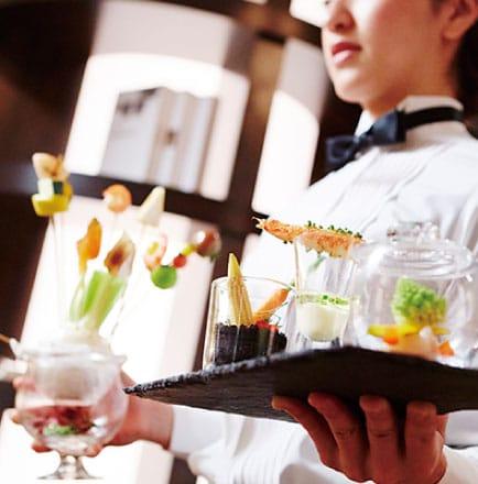 ザ マグリット | 岡山県岡山市の結婚式場・パーティーウェディング・おもてなしウェディング シェフ&キッチンスタッフ7