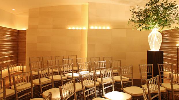 ザ マグリット | 岡山県岡山市の結婚式場・パーティーウェディング・おもてなしウェディング 光の十字架