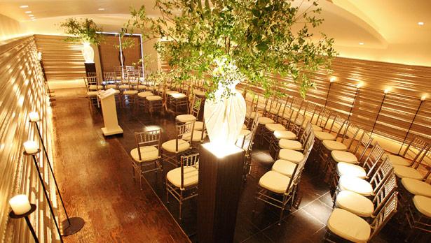 ザ マグリット | 岡山県岡山市の結婚式場・パーティーウェディング・おもてなしウェディング 半円型挙式スタイル